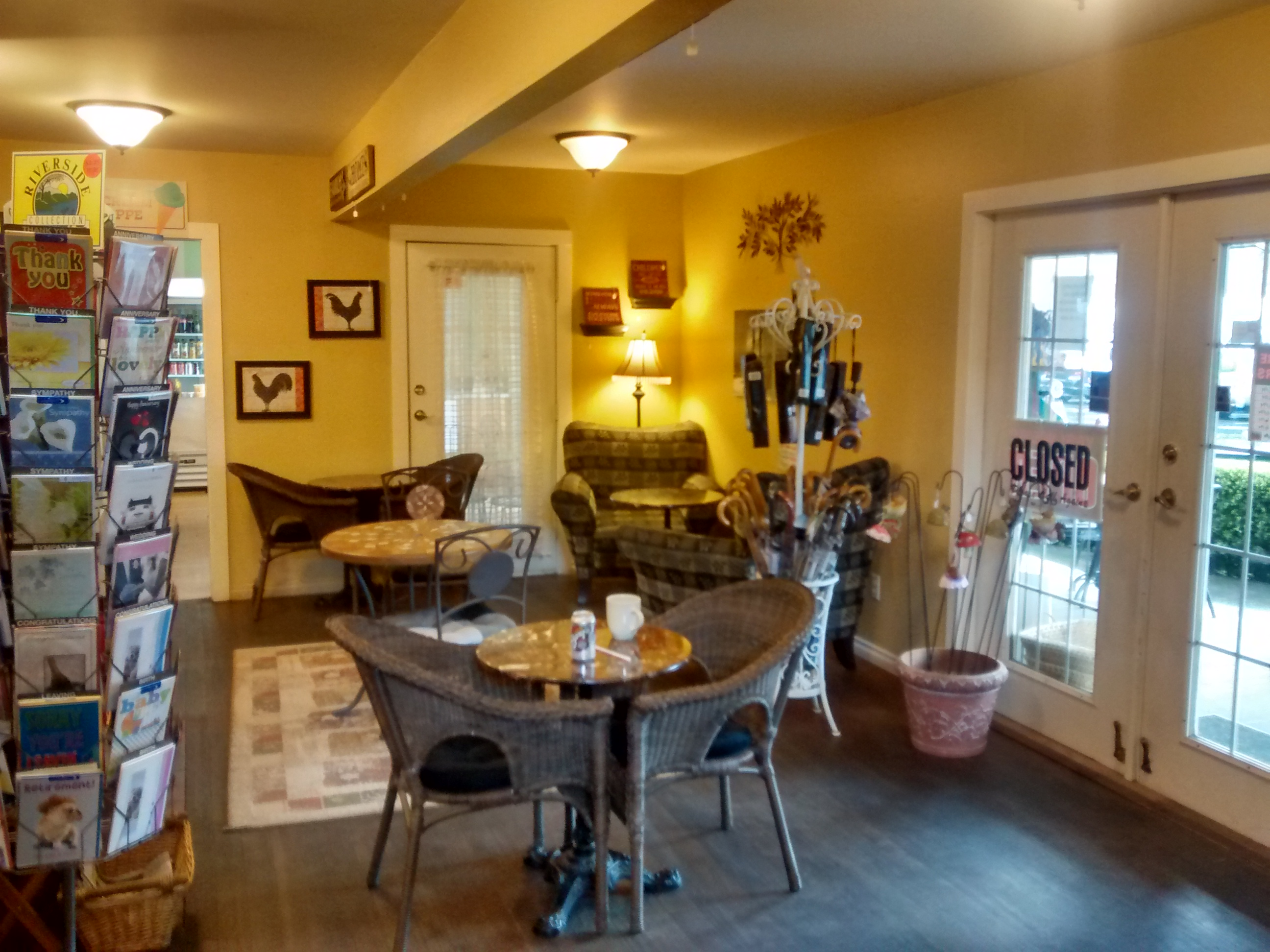 old farm gifts specialty coffee cowichan valley ambiance